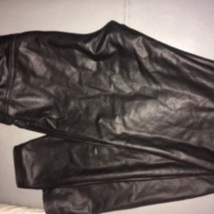 Vera Wang Faux Leather Leggings Size Small $12